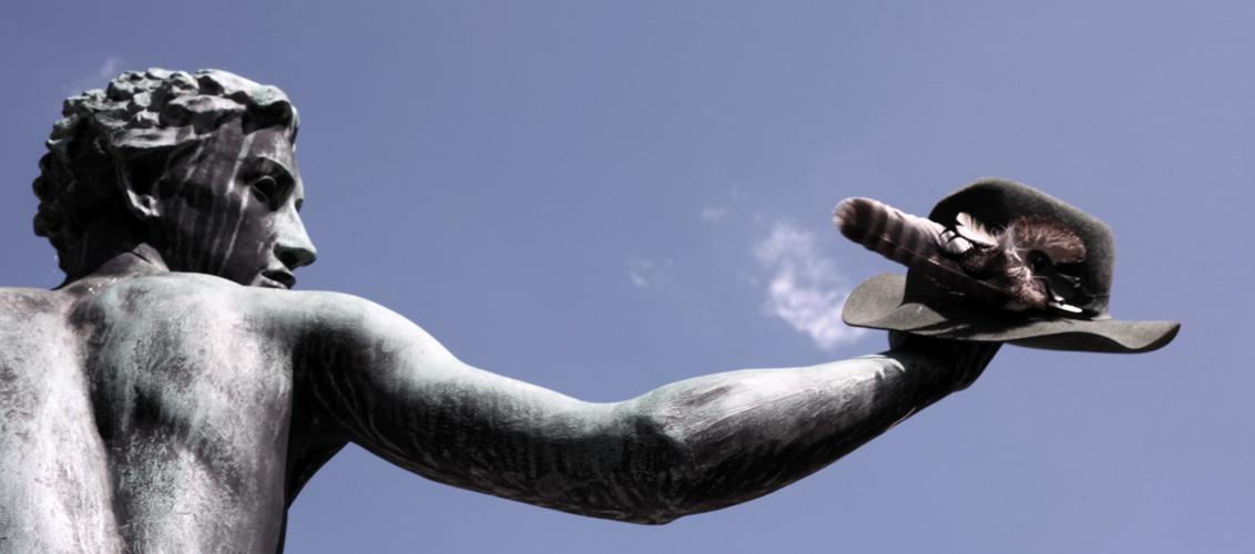 Statue mit dem Jägerhut